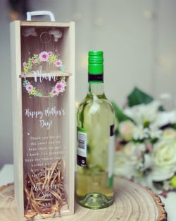 Flower Wreath Personalised Wine Box Acrylic *NOT GUARANTEED FOR MOTHERS DAY*