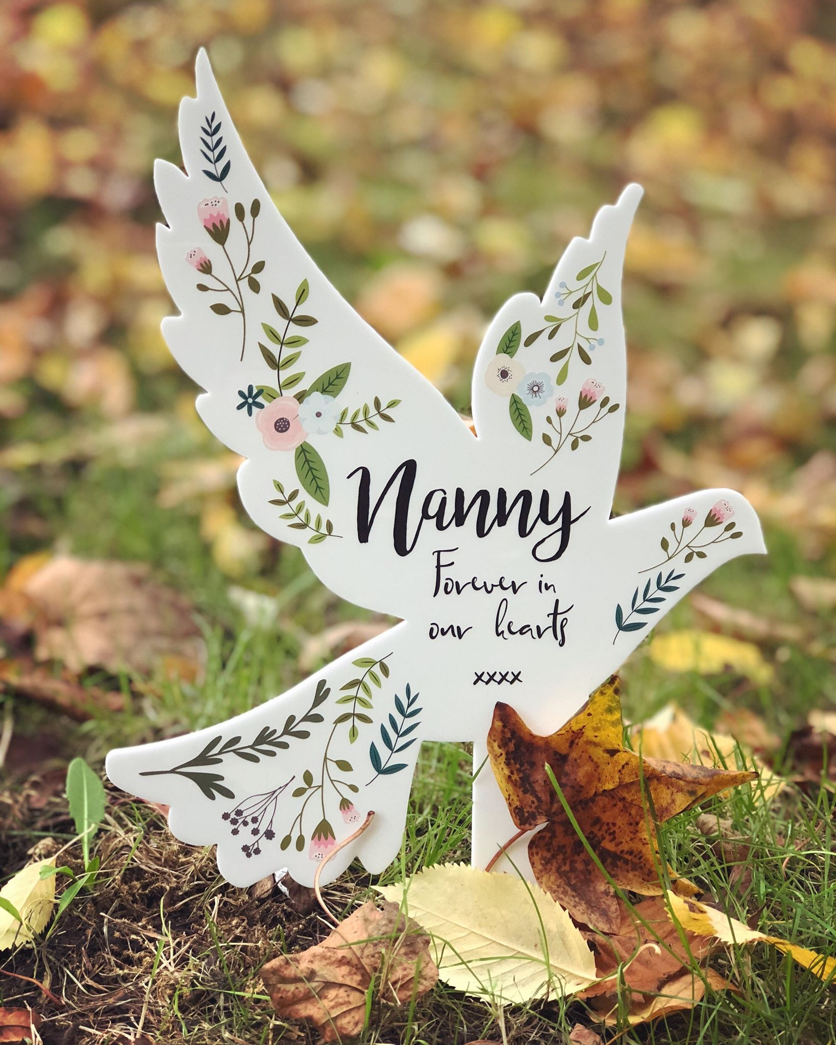 Image of personalised remembrance dove