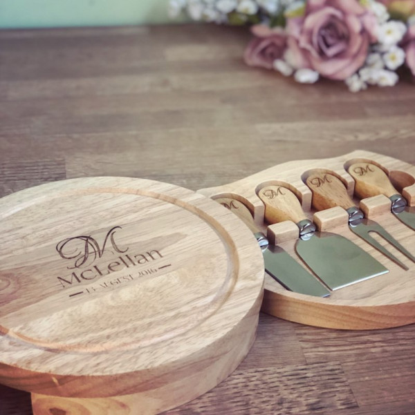 image of a personalised cheese board