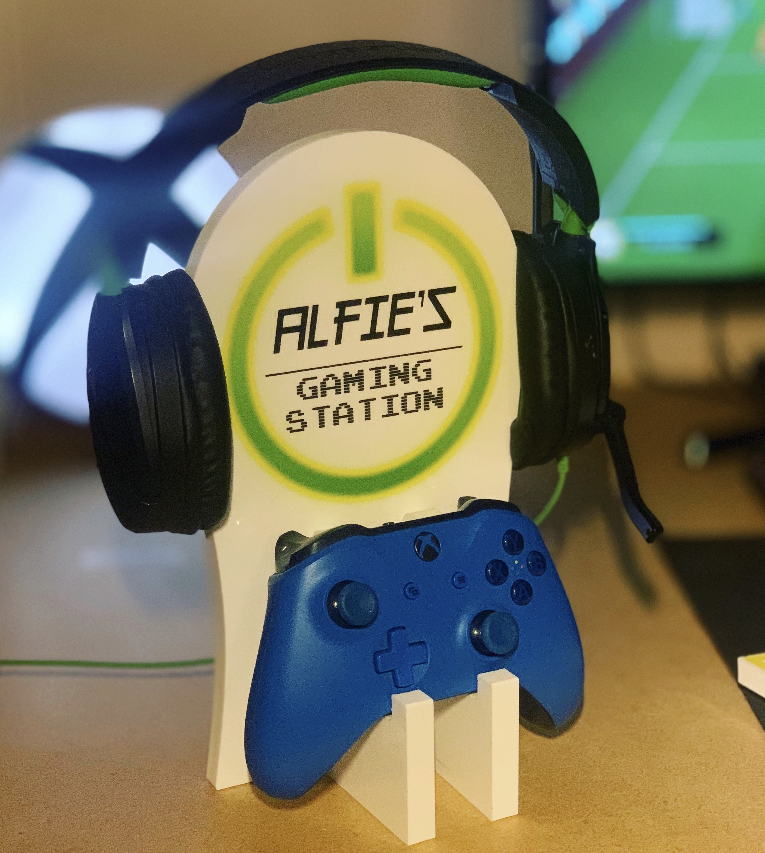 Personalised Gaming Station - Green On Button